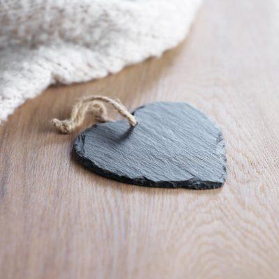 Okrasek iz skrilavcav obliki srca